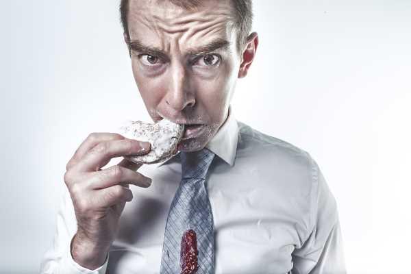 Άντρας που κάνει δίαιτα