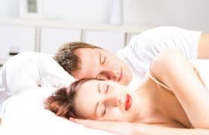 Ζευγάρι που κοιμάτε