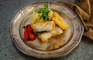 Ωραίο πιάτο με ψάρι και λαχανικά